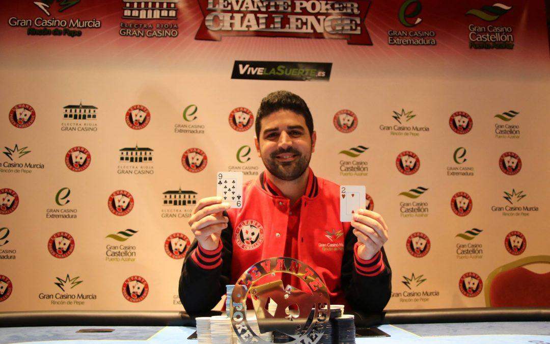 Jesús Fernández se lleva el trofeo y la beisbolera roja del Levante Poker Challenge del Gran Casino Murcia