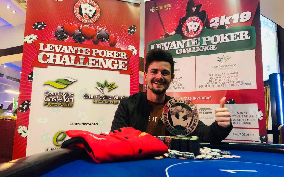 Gran Casino Castellón entrega el trofeo del Levante Poker Challenge a Olmos